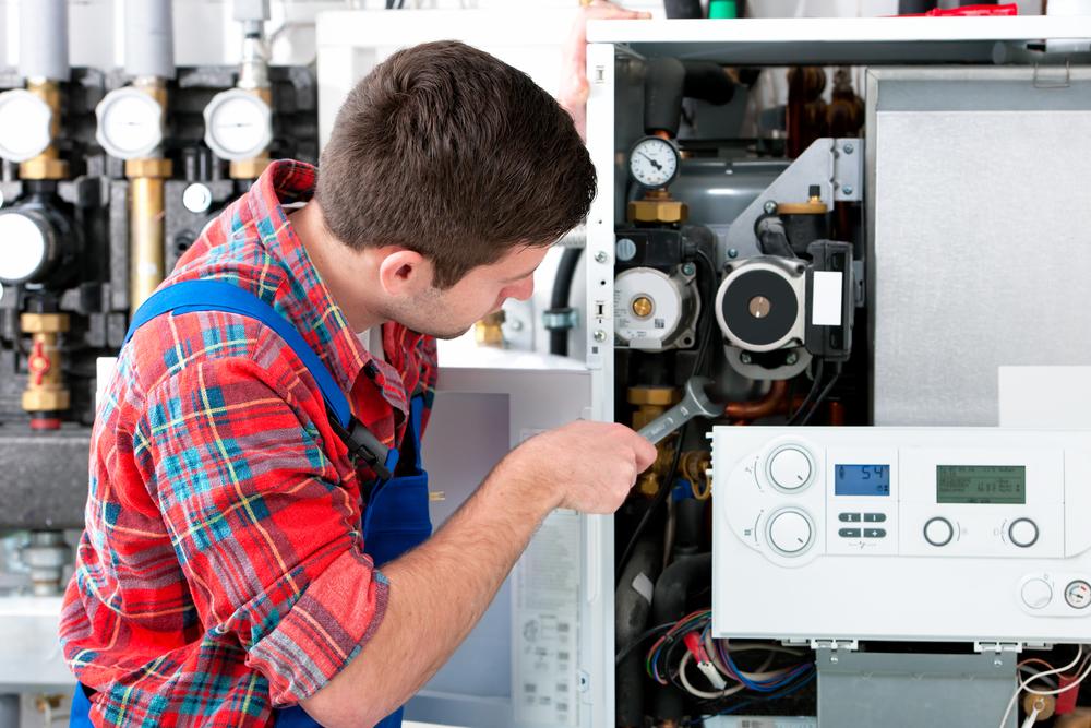 hacer el mantenimiento de la caldera