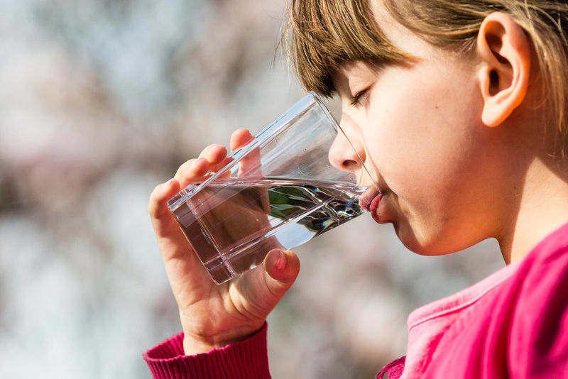 ¿Cuáles son los beneficios de tener una central de tratamiento de agua en casa?
