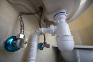 ¿Cómo hacer una instalación de fontanería en un baño? | Trucos para el manitas